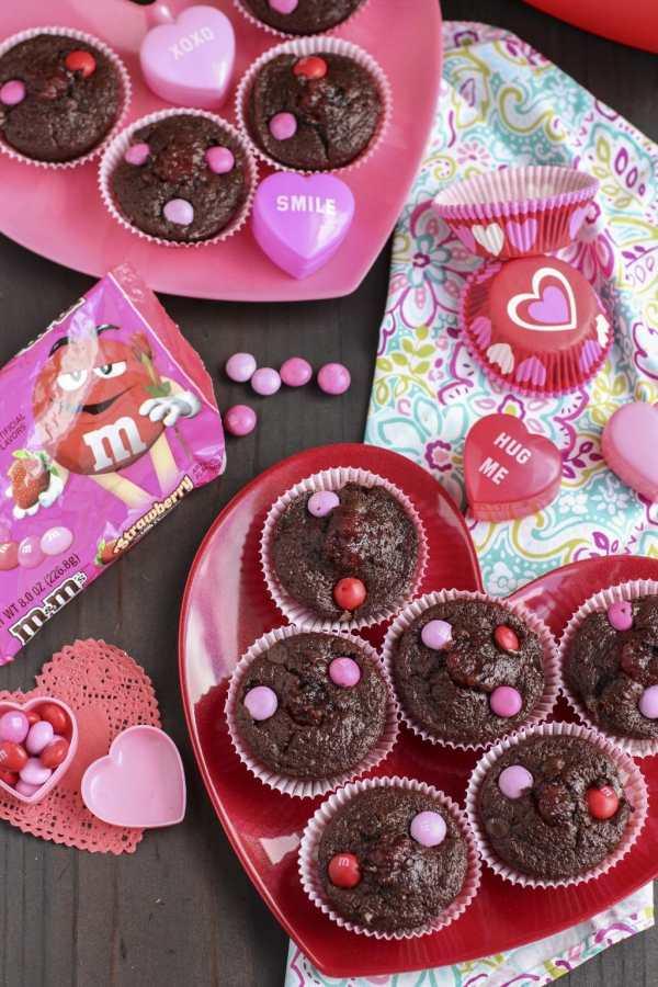 Valentine muffin gift basket 1