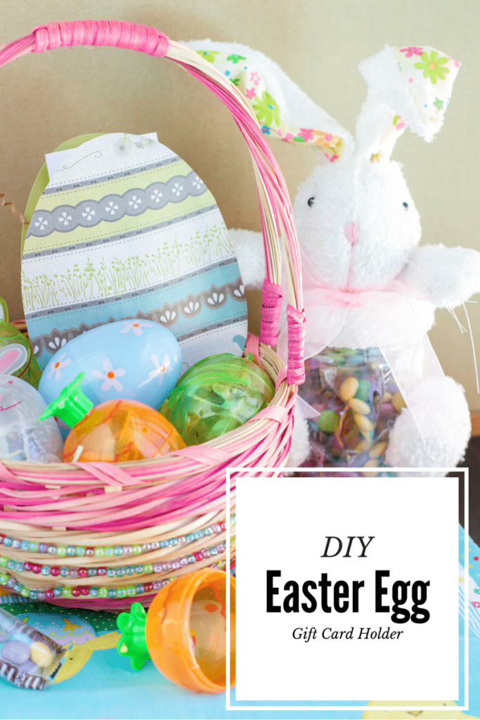 Not ready for Easter? Follow my easy tutorial to make your own Easter egg gift card holder! Super simple, and it only takes 5 minutes to create.