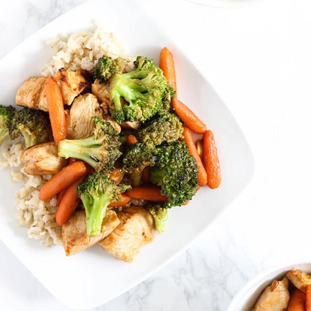 Worlds easiest stirfry Brown rice chicken I used La Choyhellip