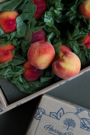 Healthy Lunch: Harry & David's Oregold Peaches | Stacey Mattinson, MS, RDN, LD
