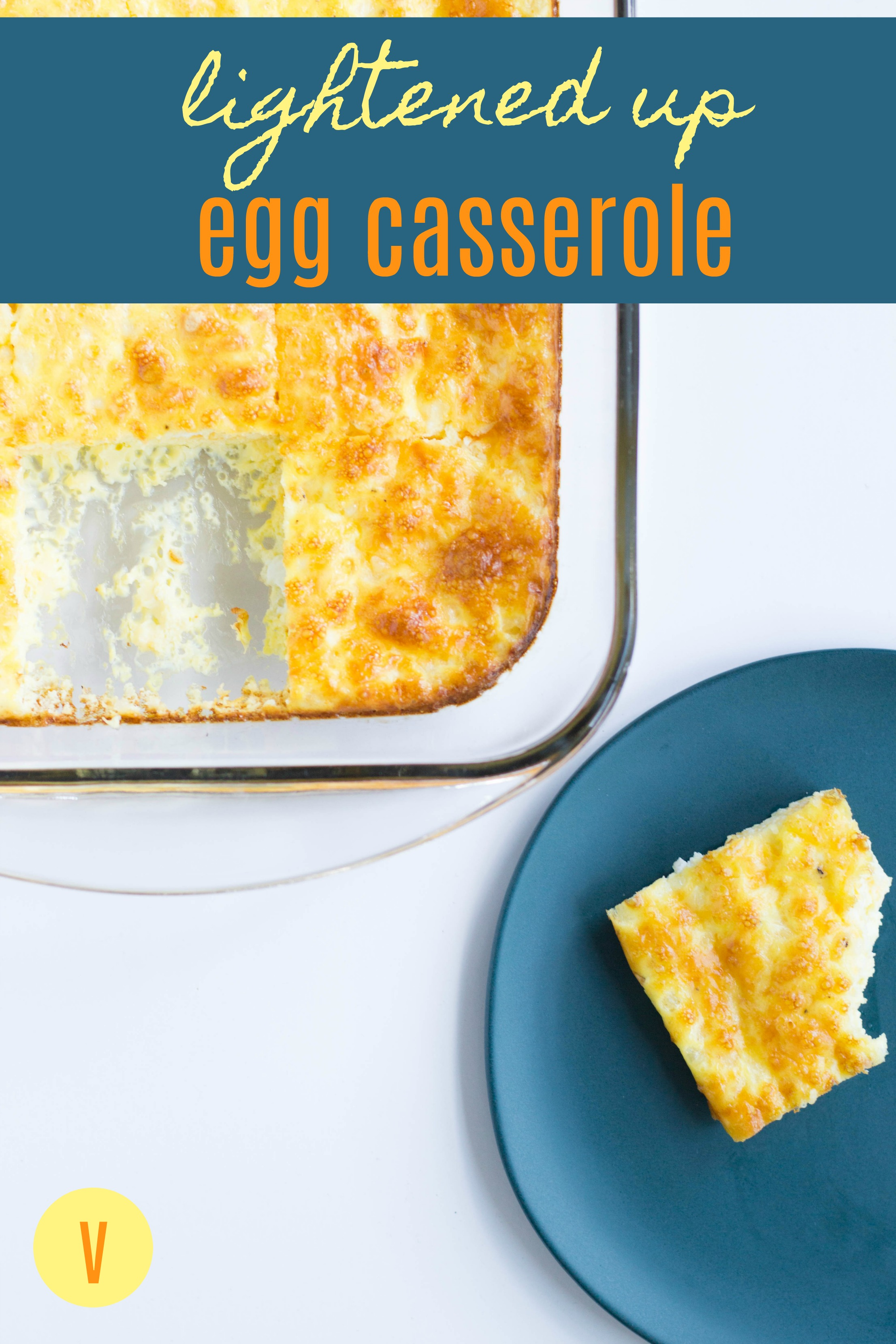 This healthy egg casserole is easy to make! It's the perfect make-ahead breakfast, and great for brunches too! Healthy Egg Casserole | Vegetarian by Stacey Mattinson Nutrition