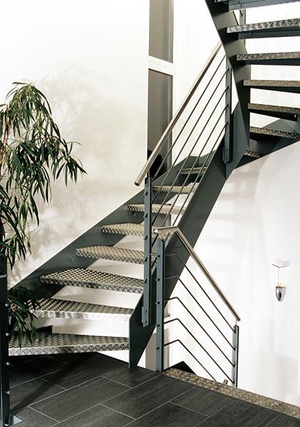 Wangentreppen von Stadler Treppen GmbH fr den Innenbereich