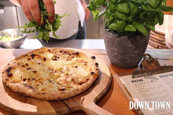pietza down town gourmet market