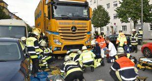 Radlerin von LKW überfahren und 100 Meter mitgeschleift Quelle Foto Berufsfeuerwehr München