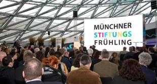 Münchner Stiftungsfrühling BMW Welt München Copyright Foto Karin Pfab