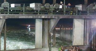 Schlauchboot im Wehr auf der Isar löst Großeinsatz aus