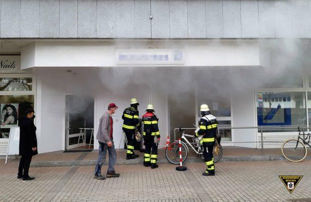 Feuerwehr Großeinsatz wegen Rauchbombe