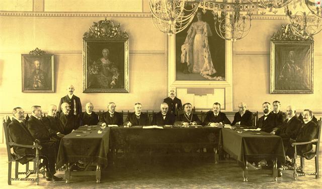 de gemeenteraad uit 1915