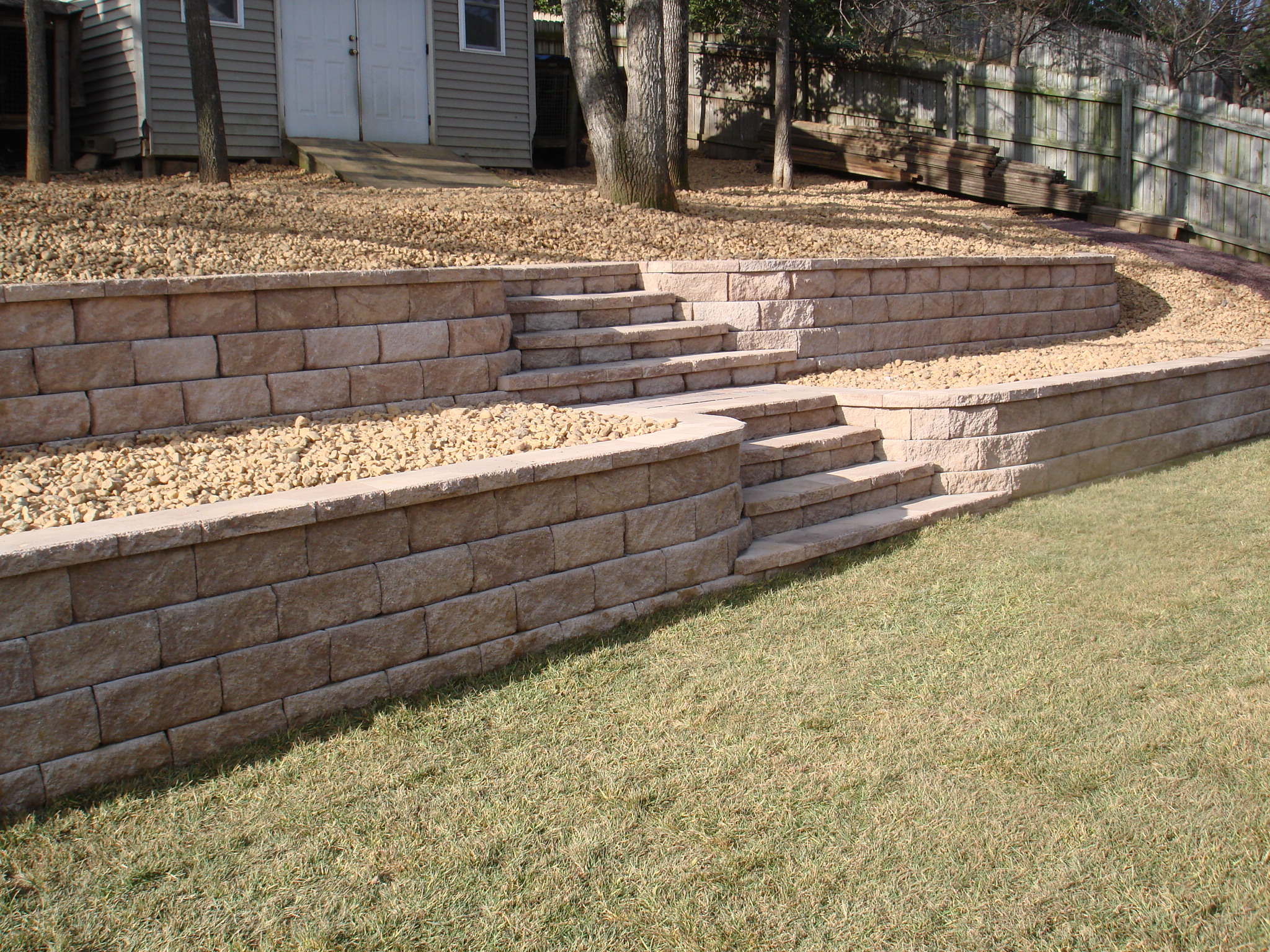 1000 images about Front yard on Pinterest  Retaining walls Facades and Landscaping