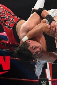 Humberto Carrillo vs. Angel Garza – MONDAY NIGHT RAW