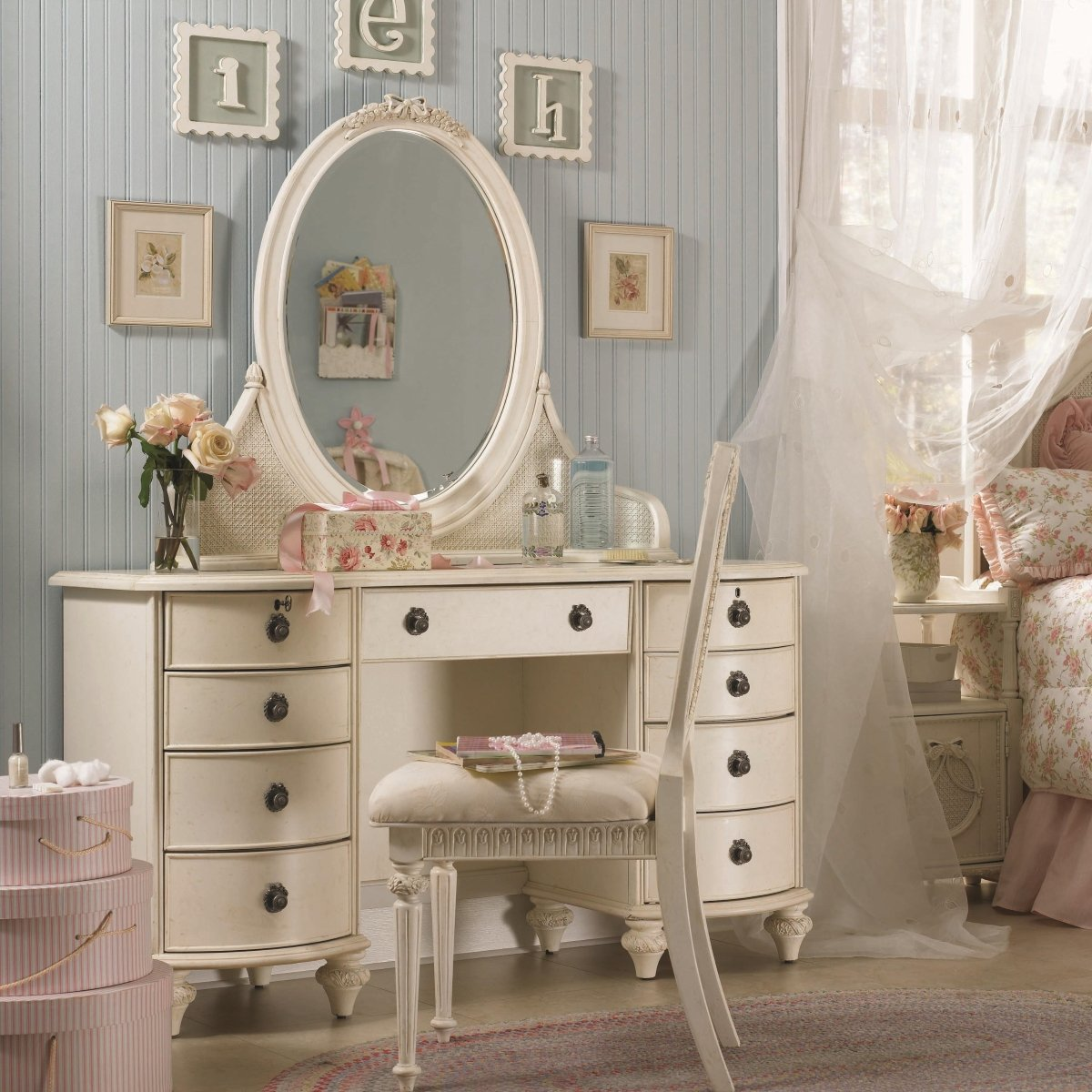Vanity Desk How to Turn Your Desk  Home Furniture Design