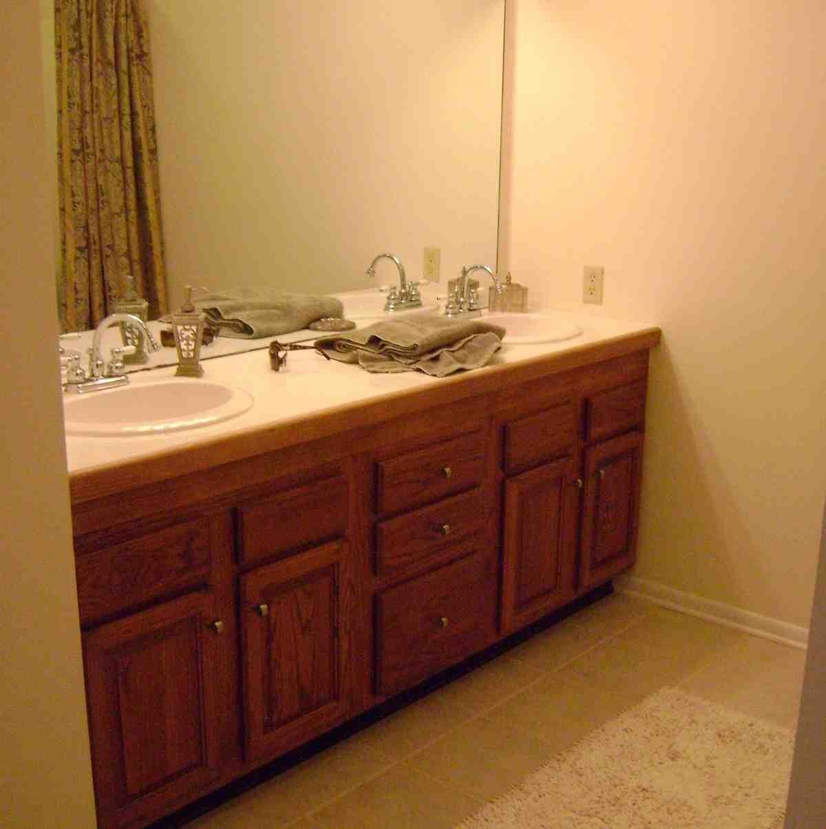 Diy Painting Bathroom Cabinets