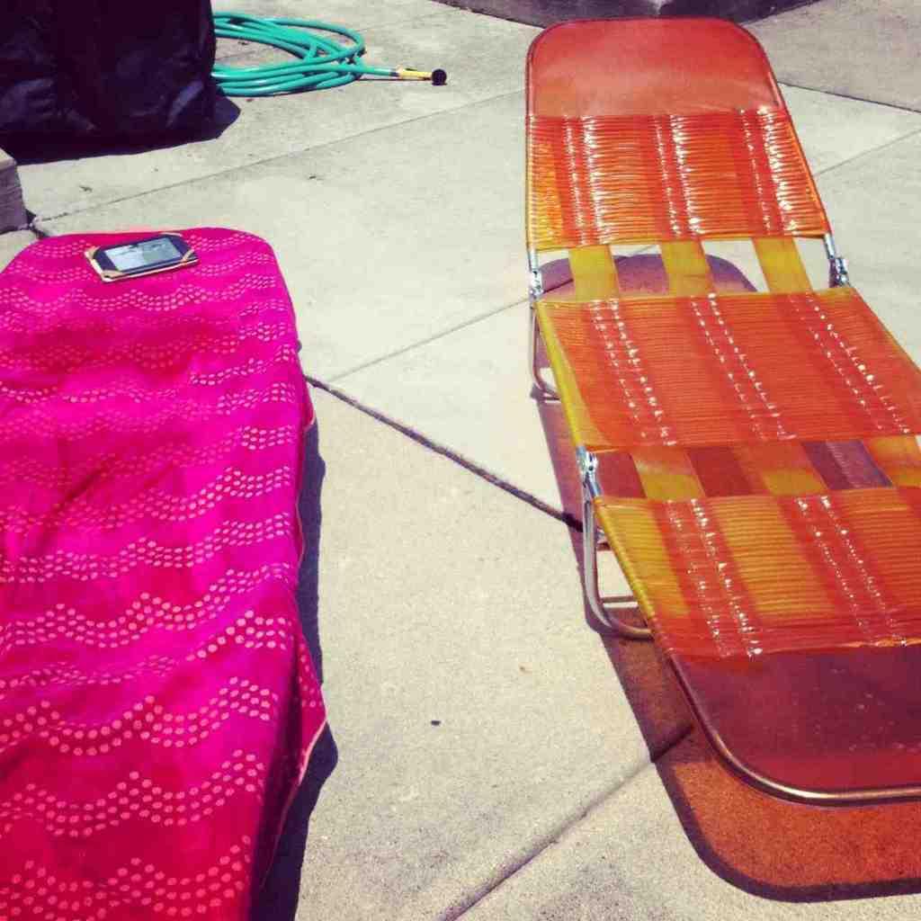 Plastic Folding Lounge Chair