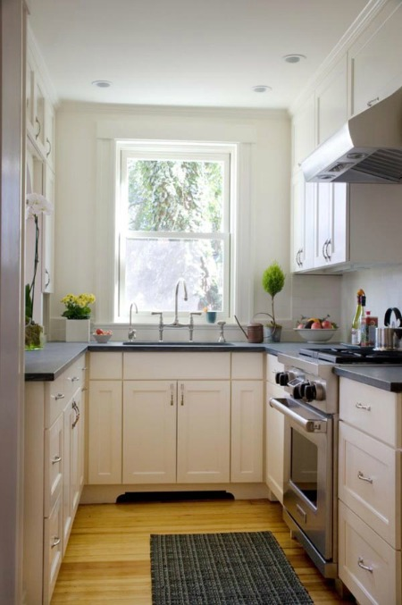 small kitchens kitchen cabinets outlet decorating ideas for home staging with a high ceiling