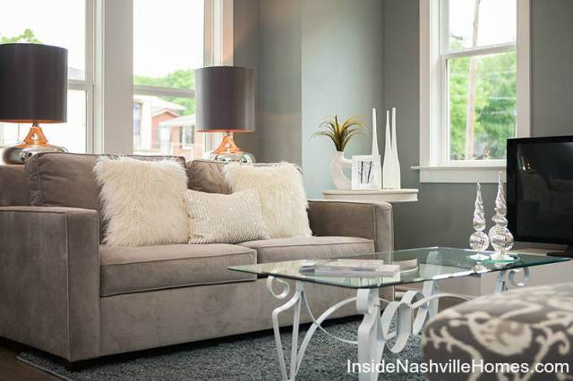 pillows add texture in home decorating