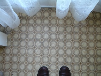 linoleum kitchen flooring where to buy cheap cabinets cleaning floor with magic eraser: can it be done ...