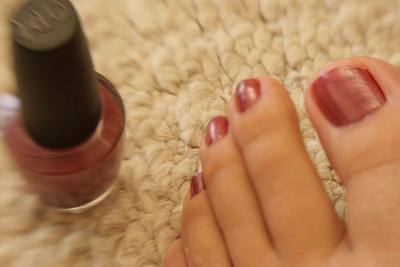 Stain Removal Of Nail Polish Without Using Acetone