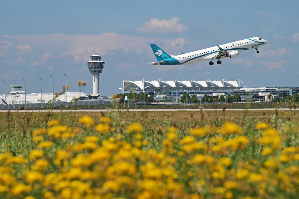 Air Dolomiti expands the offer of domestic flights and flies to Puglia