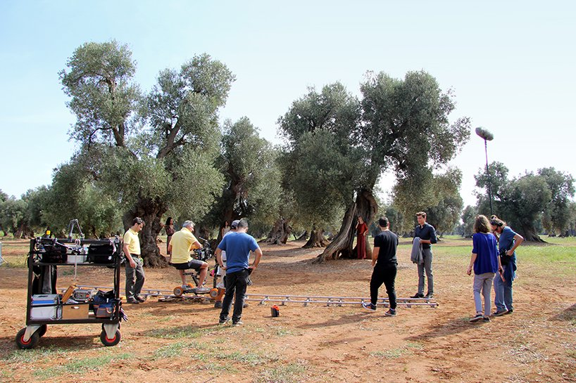 behind the scenes campaign shooting in apulia, italy