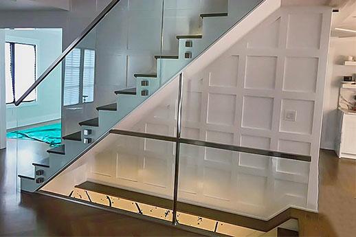 دربزين زجاج جانبي