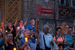 Niezawisłe Sądy - Łańcuch Światła wToruniu. Foto Marek Krupecki