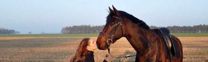 Linda die Semper-fi een kus op de neus geeft