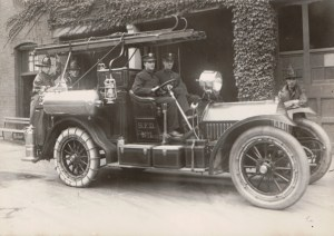 1910.5.9 - Locomobile - Combination Chemical and Hose Car