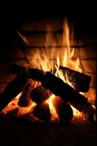 Is a Gas Fireplace or Wood Fireplace Better?