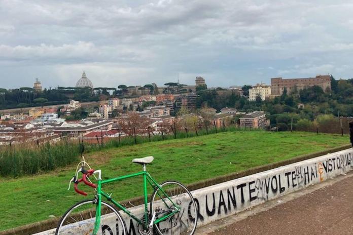 Monte Ciocci, il muretto da dove si vede Roma e San Pietro