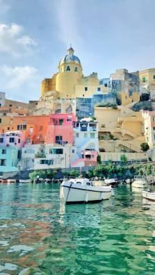Capitale italiana della cultura 2022, il mare di Procida trionfa