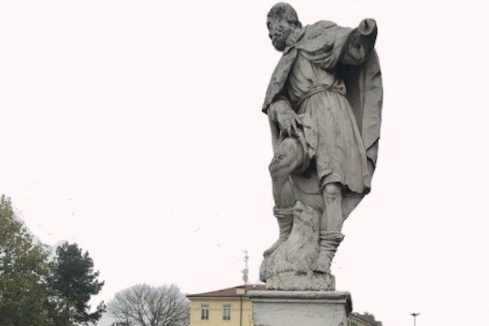 Ferrara, statua di San Rocco