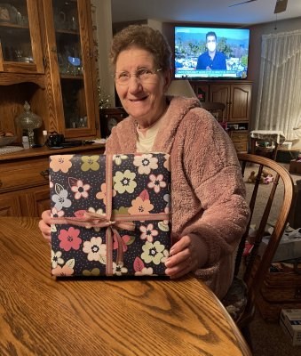 My mom's 80th birthday cards surprise!