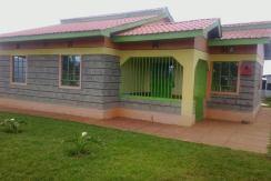 Farm Land & House for Sale in Makomboki, Kangari