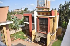 5 Bedroom Maisonette for Sale in Lavington