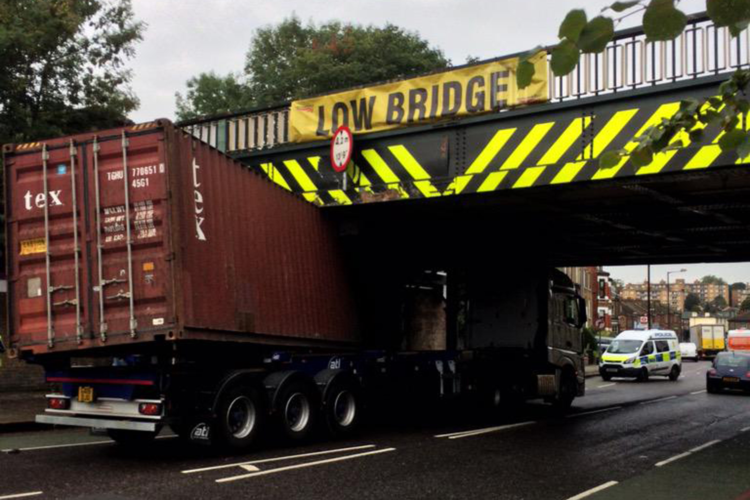 Lorry Strikes At Cursed Low Bridge In Tulse Hill Drop By