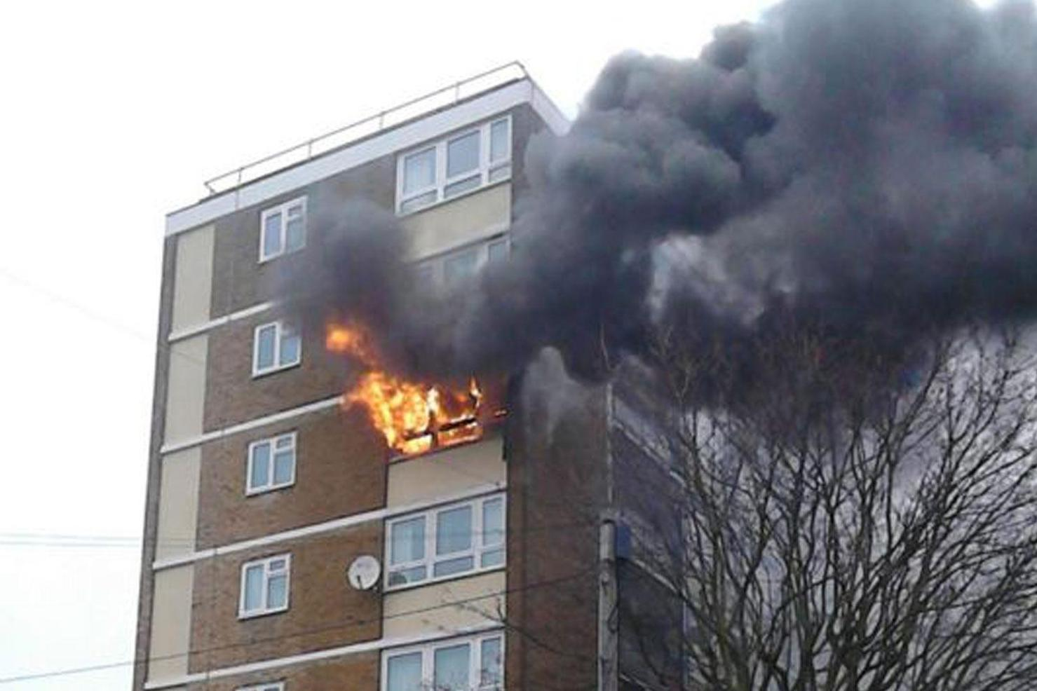 Brixton Fire Dozens Of Firefighters Tackle Blaze At Block