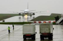 Bristol Airport Delays Plane Runway Sparking