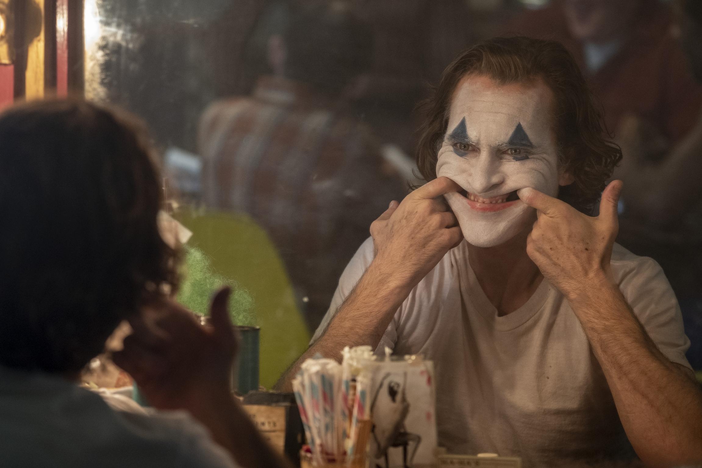 "Joaquin Phoenix em ""Coringa"" (2019) | Crítica"