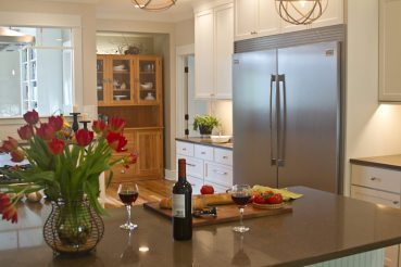 Mouser Centra Painted White Linen   Standard Kitchen & Bath   Custom Cabinets Knoxville TN