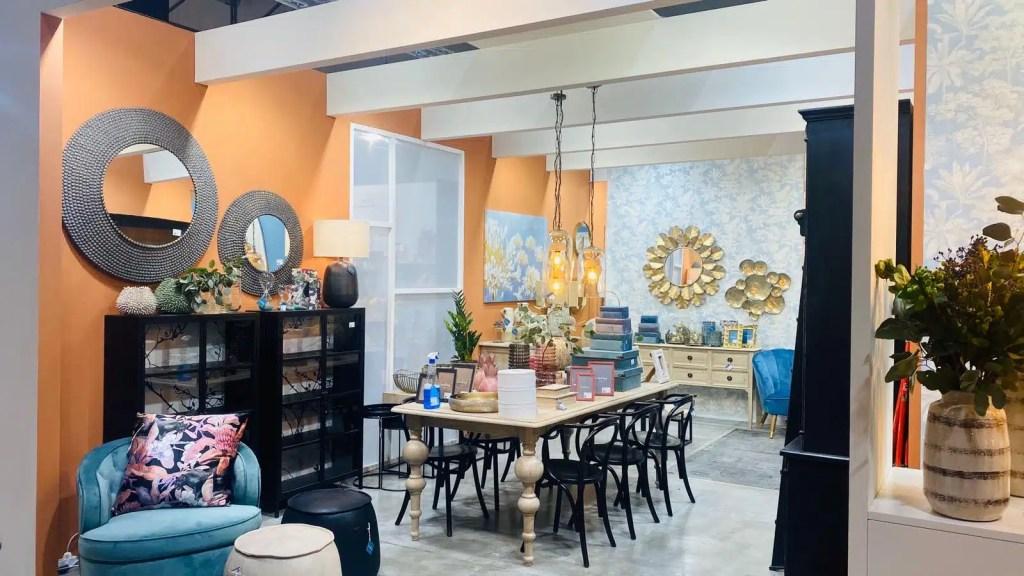 Allestimento realizzazione showroom concept store negozi