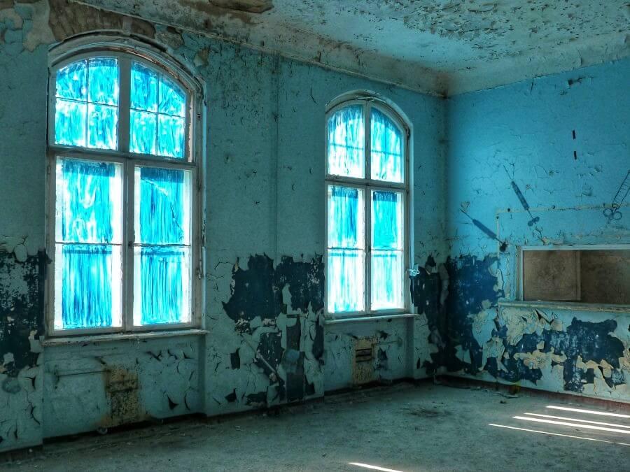 Blue room Beelitz Heilstätten voormalig longziekenhuis