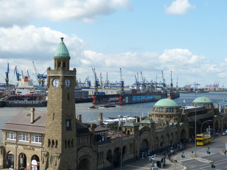 U3 Baumwall uitzicht - Standort Hamburg