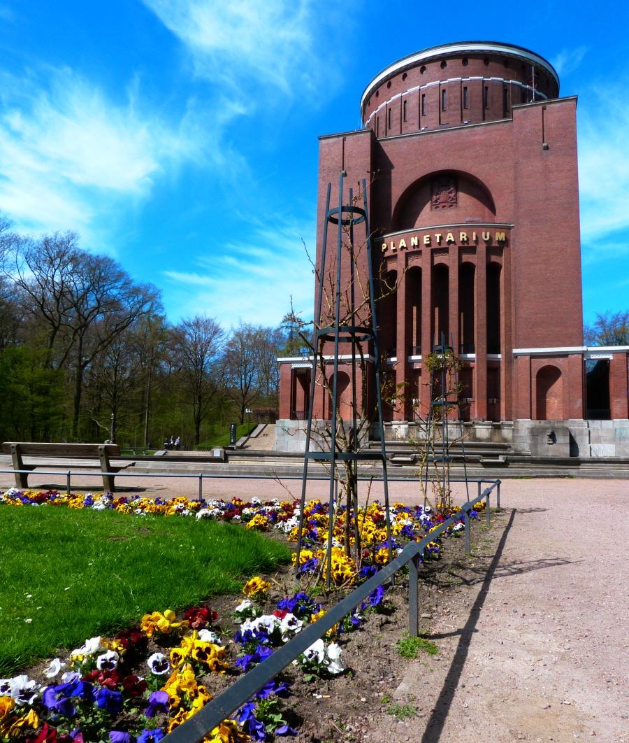 Hamburg vanuit de U3: Borgweg/Planetarium