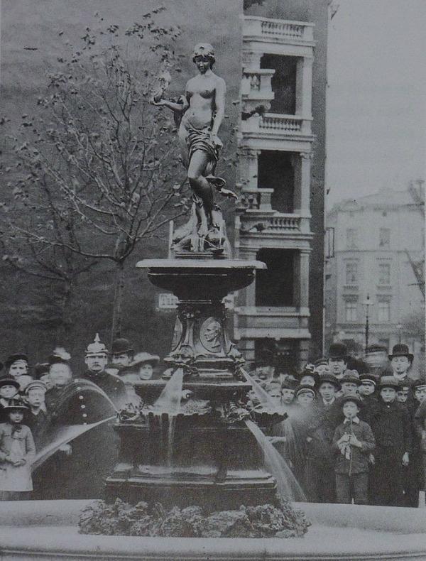 Behnbrunnen op oorspronkelijke plek