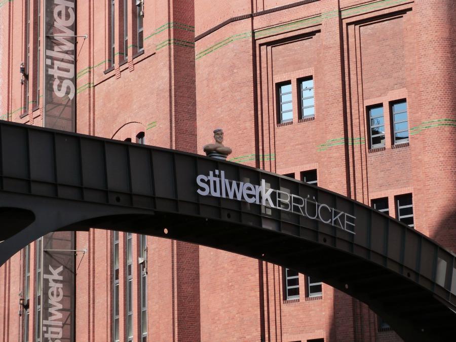 P1050946_Standort Hamburg_Hamburger bruggen_Stilwerk Bruecke