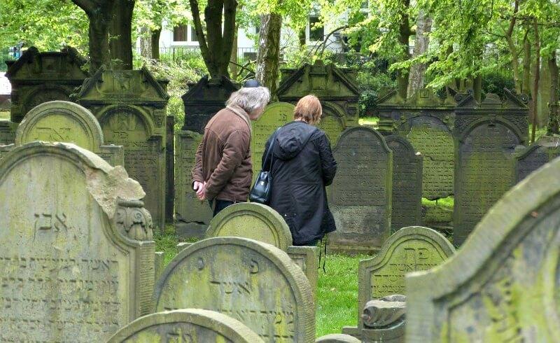 Bezoek de joodse begraafplaats in Altona