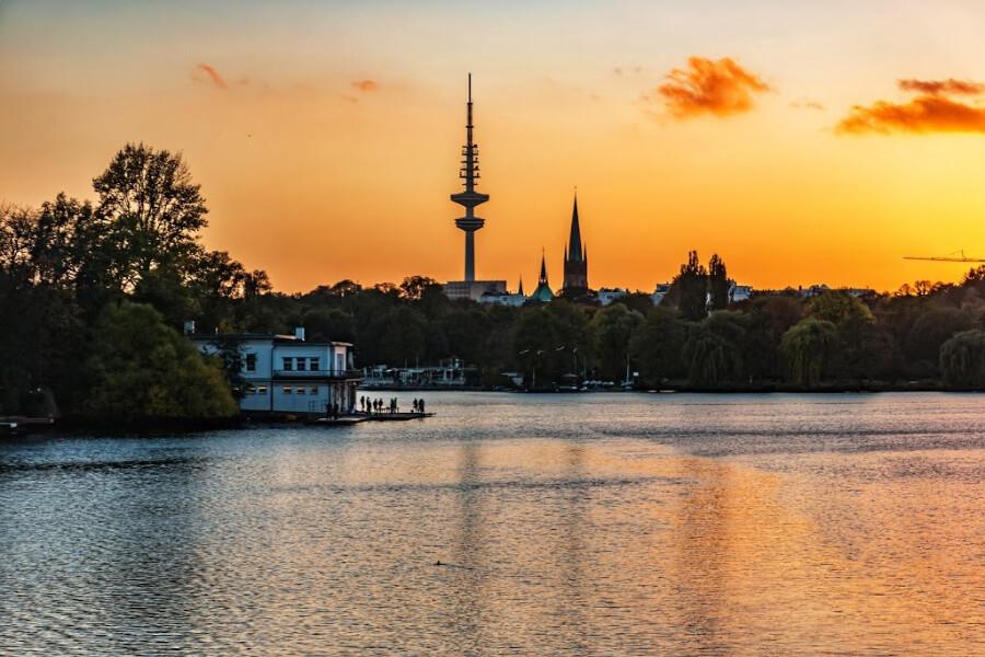 Helemaal niets doen aan de Außenalser | Standort Hamburg