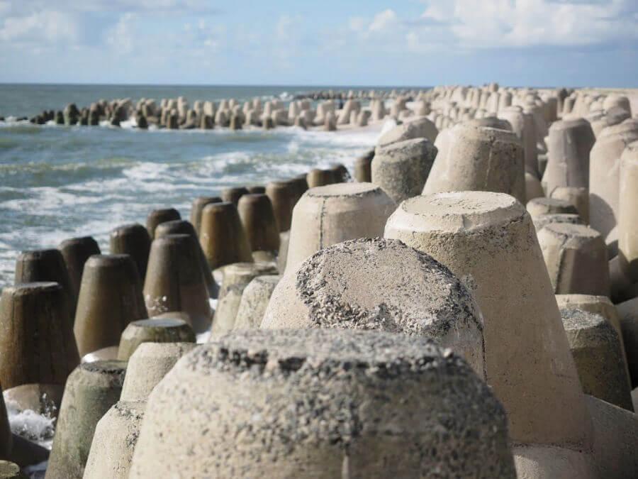 Wellenbrecher beschermen de kust van Sylt