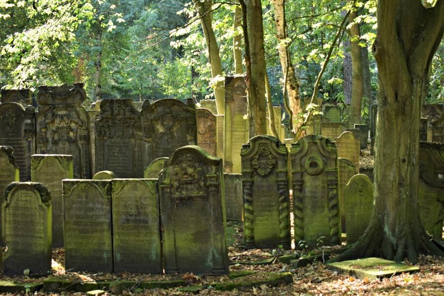 Tijdreis door Hamburg: Joodse begraafplaats in Altona