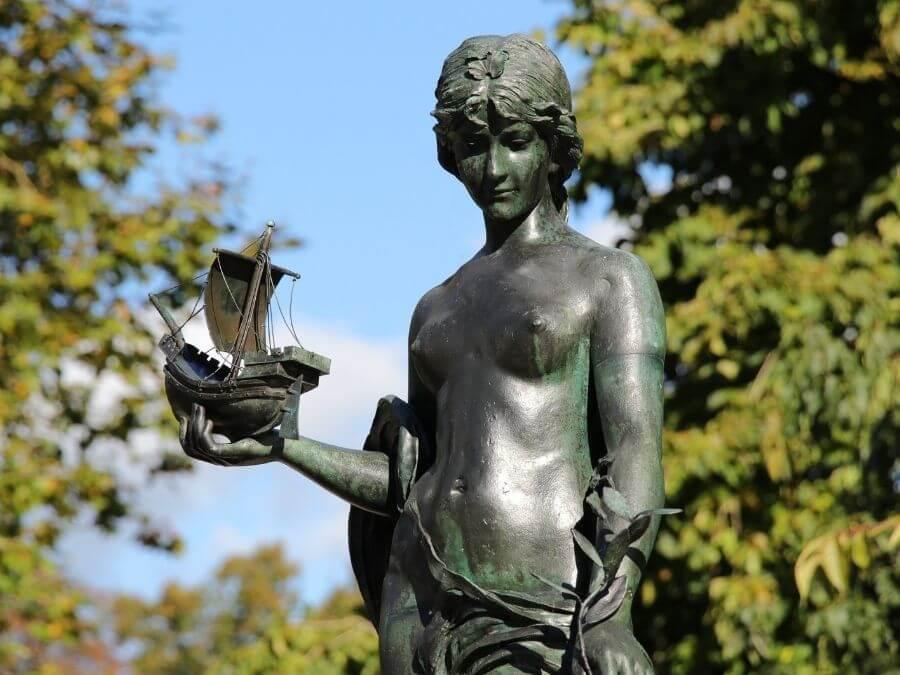 Behnbrunnen in Altona, aan de rand van St. Pauli, detail